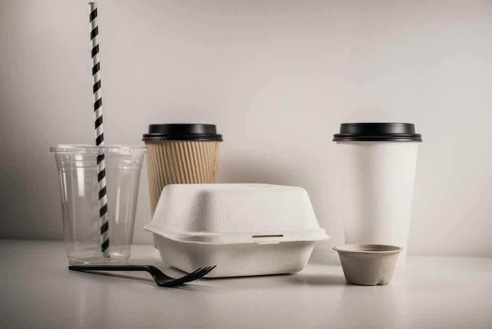 Nhựa phân hủy sinh học (Biodegradable plastic) sẽ sớm bị cấm ở Úc